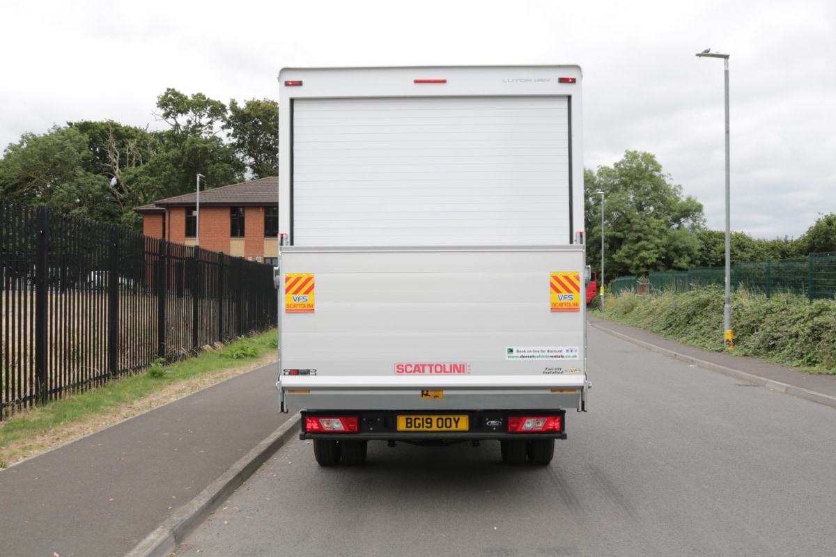 3.5tonne Luton with Tail Lift